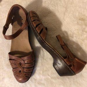 Clark's Women's Shoes Sz 8M